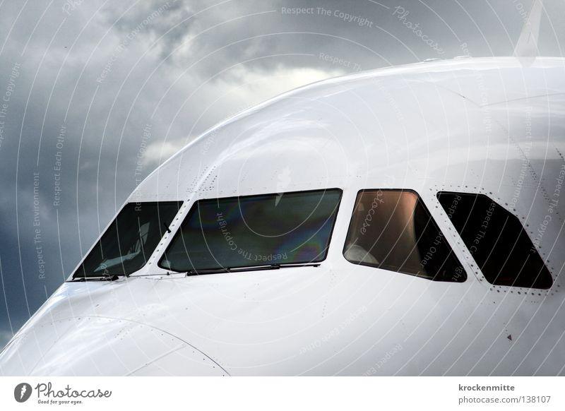 erbitten Starterlaubnis weiß blau Ferien & Urlaub & Reisen Wolken Fenster Regen warten glänzend Flugzeug fliegen Beginn Luftverkehr Güterverkehr & Logistik