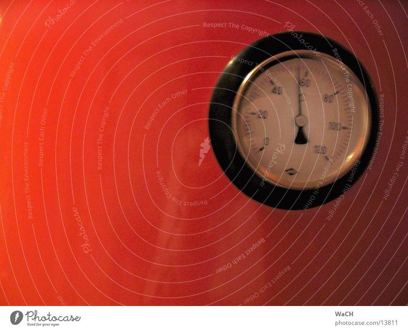 58° heiß Physik kochen & garen Wasser rot Temperaturregler Grad Celsius Warmwasser analog heizen Winter Bad Industrie Dinge hot Wärme Boiler hitzen water acqua