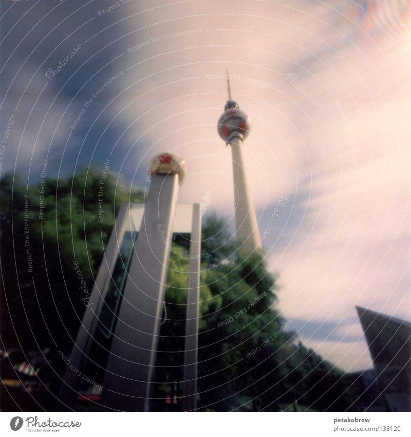 LochbildBerlin001 Weltmeisterschaft 2006 Deutsche Telekom Alexanderplatz Architektur Lochkamera Berliner Fernsehturm Mitte