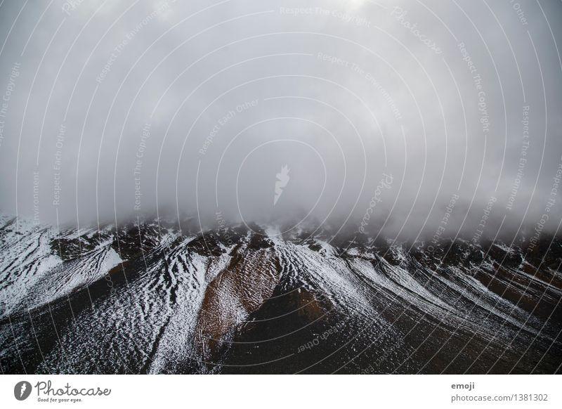 gemustert Umwelt Natur Landschaft Himmel Wolken Winter Klima Wetter schlechtes Wetter Schnee Schneefall Felsen Alpen Berge u. Gebirge Gipfel