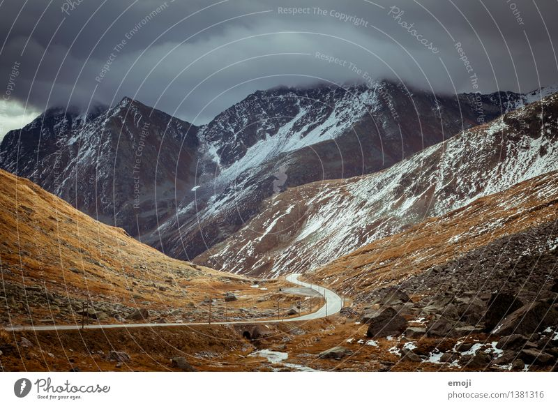 007 Umwelt Natur Landschaft Wolken Gewitterwolken Herbst Klima Klimawandel Wetter schlechtes Wetter Unwetter Wind Sturm Felsen Alpen Berge u. Gebirge Gipfel