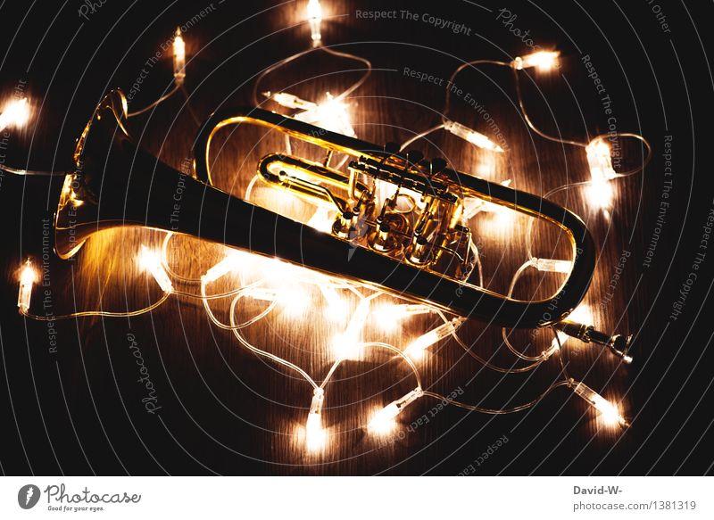 Festliche Weihnachtsmusik Mensch Weihnachten & Advent schön Freude dunkel Gefühle Kunst Feste & Feiern Stimmung leuchten Musik gold Geschenk Kultur Restaurant