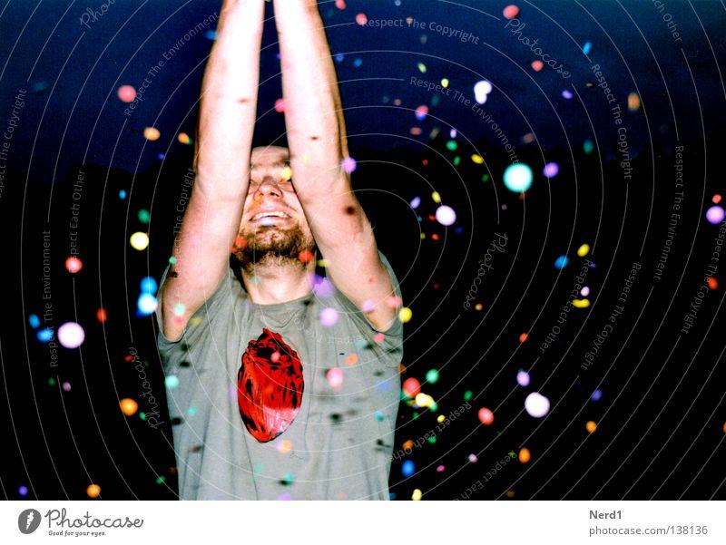 Y Mann Jugendliche rot Freude Farbe dunkel Glück Party lachen Feste & Feiern Herz Geburtstag Fröhlichkeit Körperhaltung Mensch
