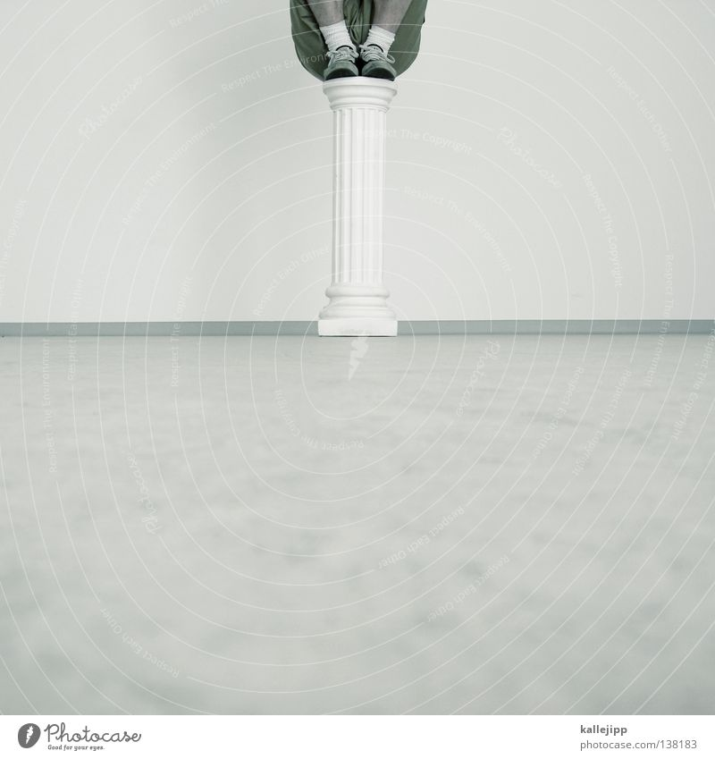 standfest Mensch Mann weiß Freude lustig Lifestyle Luftverkehr Erfolg Beginn Flugzeug Macht Vergangenheit Denkmal Mut Statue Museum