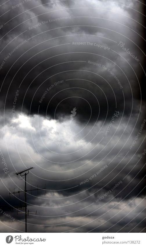 dark_clouds Himmel Wolken dunkel Herbst Regen Angst Wetter Dach bedrohlich Sturm Blitze Gewitter Unwetter Panik Antenne Vorsicht