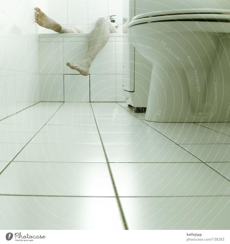 EM-AUS? Mensch Mann weiß Erholung Beine Schwimmen & Baden Fuß maskulin stehen Wassertropfen Badewanne Sauberkeit Reinigen Fliesen u. Kacheln Geruch