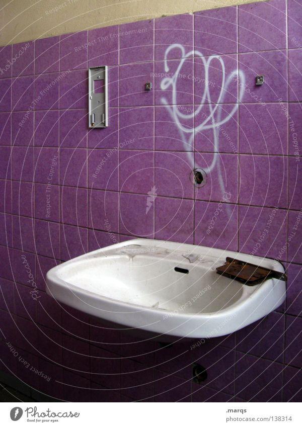 Hygiene alt Einsamkeit 2 dreckig Sauberkeit Bad violett Fliesen u. Kacheln türkis 8 Haushalt Ziffern & Zahlen Waschbecken Geschirrspülen beschmiert
