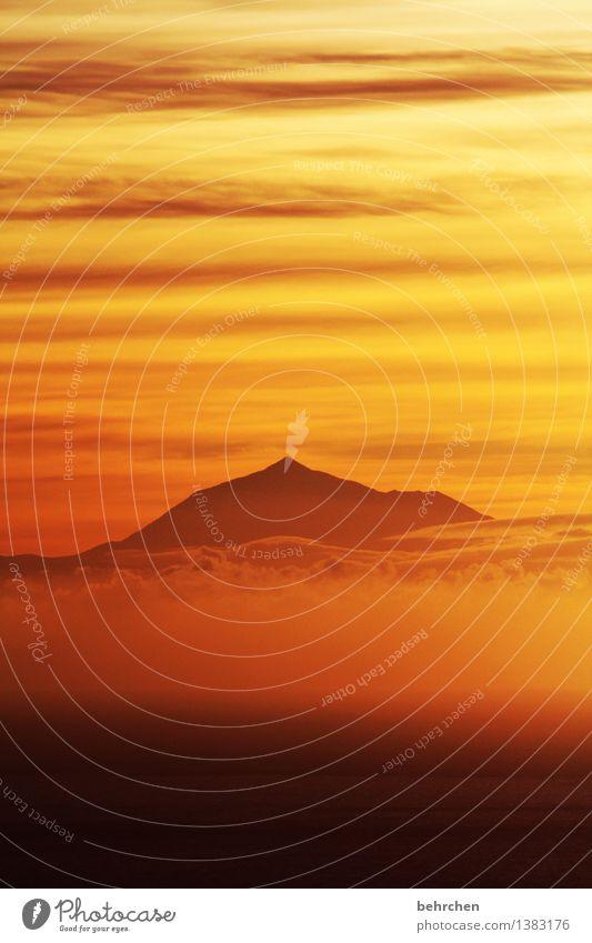 fallen lassen Himmel Natur Ferien & Urlaub & Reisen schön Sommer Meer Wolken Ferne Berge u. Gebirge Frühling Küste außergewöhnlich Freiheit Horizont orange