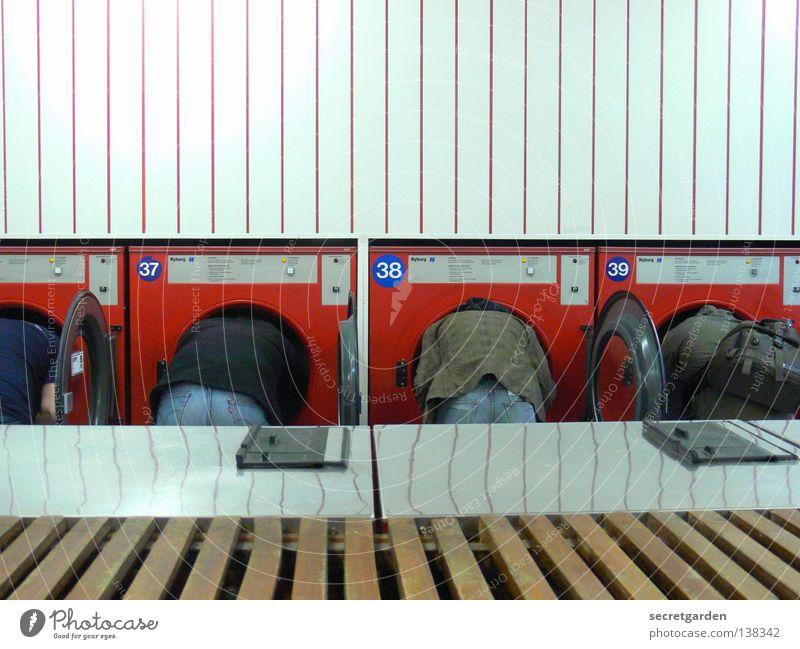 HH08.1 - gehirnwäsche Freude Dienstleistungsgewerbe Maschine Mensch Mann Erwachsene Kopf Klima Bekleidung Jeanshose Reinigen dreckig rund Sauberkeit verrückt