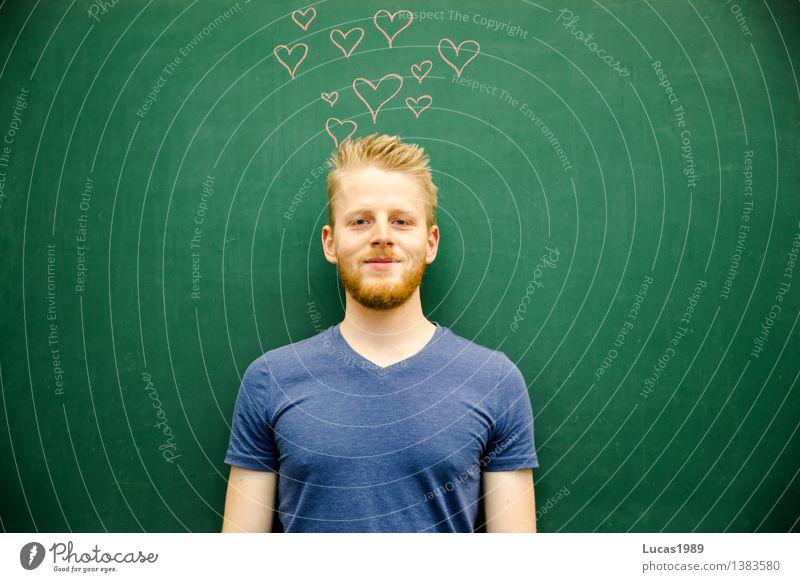 Love Mensch Jugendliche Mann Junger Mann Freude 18-30 Jahre Erwachsene Liebe Gefühle Glück Schule Stimmung maskulin Zufriedenheit Fröhlichkeit lernen
