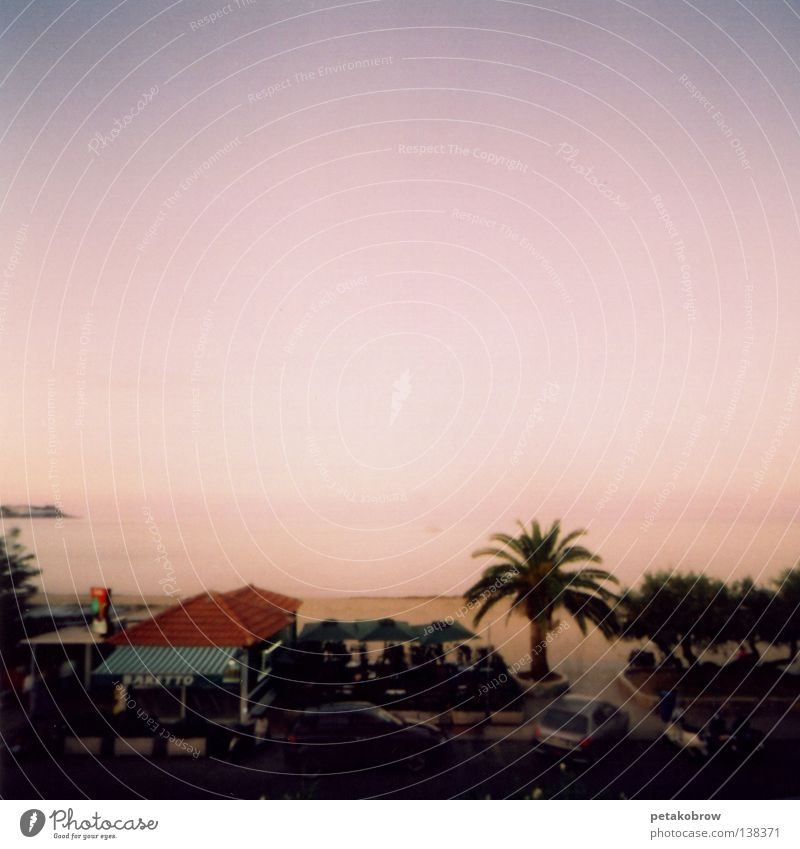 LochbildSizilien001 Meer Strand Gefühle Stimmung Romantik Palme