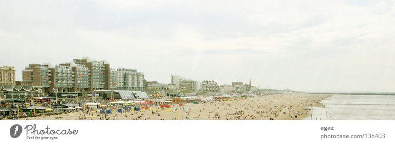 april Meer Strand Ferien & Urlaub & Reisen Erholung Außenaufnahme Ferne Farbfoto Freizeit & Hobby gehen grau Holzbrett horizontal Querformat Himmel Spielen