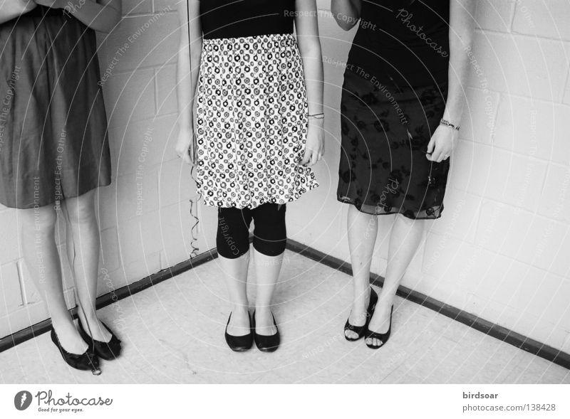 welcome to the rest of your life. Schuhe Kleid Filmindustrie Schminke Damenschuhe Schwarzweißfoto Medien