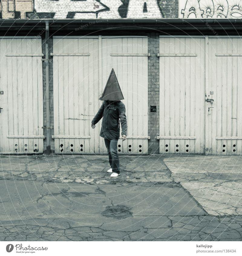 fang den hut Mensch Mann Stadt Architektur Mauer Schilder & Markierungen Verkehr Lifestyle Baustelle Symbole & Metaphern Zeichen Hut Jacke Mütze Barriere Stapel