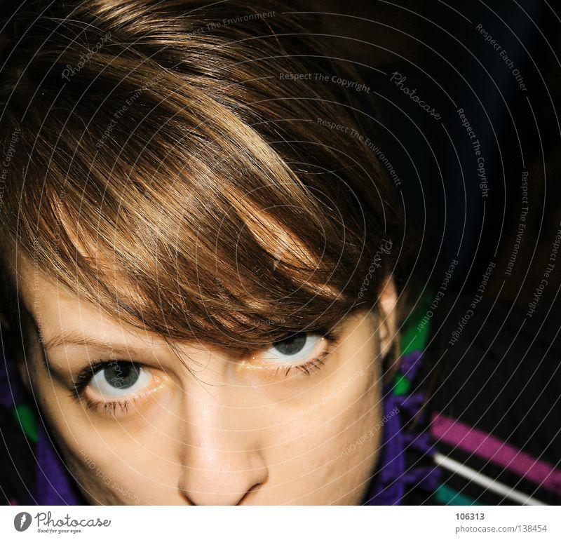Drei Streifen und die Weltherrschaft Frau geblitzt gestreift Auge eye eyes Gesicht face Nase Haare & Frisuren flash