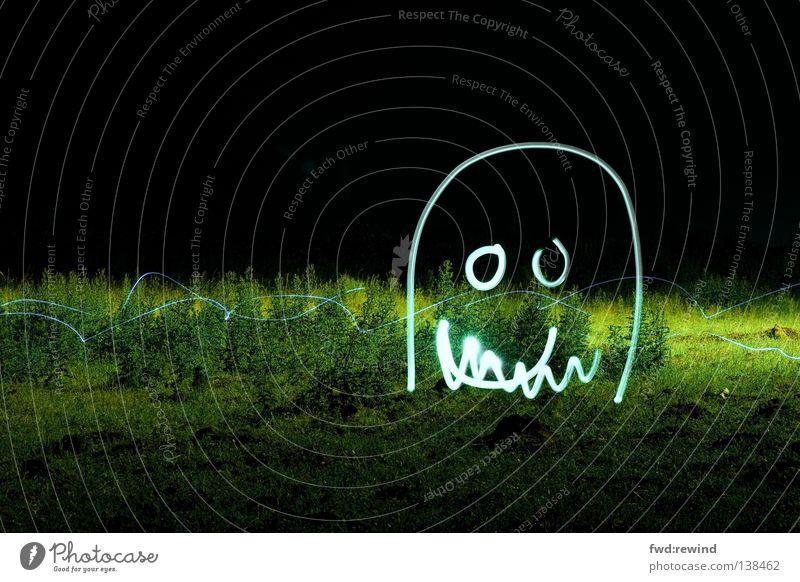 Nachtgestalt Freude Leben dunkel Wiese Spielen Linie süß beobachten niedlich Scham Monster Mitgefühl Ungeheuer Stalker Spieltrieb