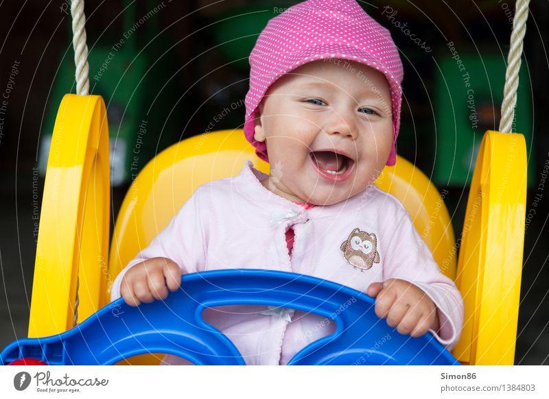 Schaukeln Mensch feminin Kind Kleinkind Mädchen 1 0-12 Monate Baby schaukeln Fröhlichkeit lustig Gefühle Stimmung Freude Glück Zufriedenheit Lebensfreude