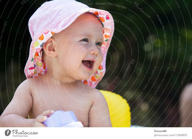 Summer fun Mensch Kind nackt schön Freude Mädchen Gefühle feminin lachen Glück Schwimmen & Baden Stimmung Zufriedenheit Fröhlichkeit verrückt Baby
