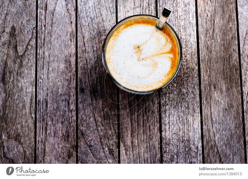 Frisch zubereiteter spanischer Cortado Frühstück Getränk Kaffee Löffel Tisch dunkel frisch heiß braun schwarz Lebensmittel aromatisch Hintergrund Café Koffein