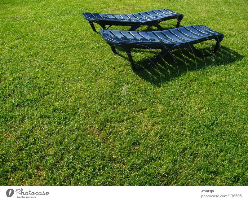 In the garden of Jutta grün blau Sommer Ferien & Urlaub & Reisen Erholung Wiese Gras Garten schlafen Rasen Pause Schwimmbad Freizeit & Hobby Liege Sonnenbad
