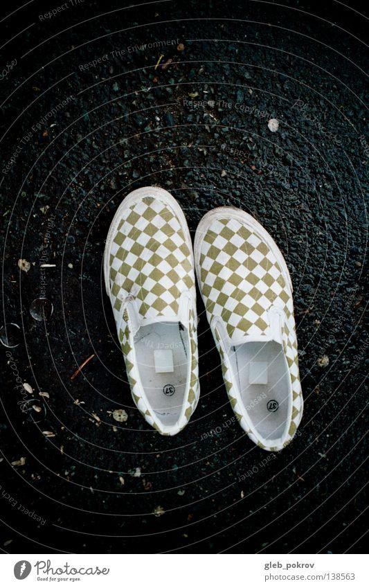 Shoes. Farbe Schuhe Bekleidung Kitsch Asphalt Flüssigkeit trashig Russland Druck Sibirien Damenschuhe Druckerzeugnisse Hausschuhe Österreich Schlick