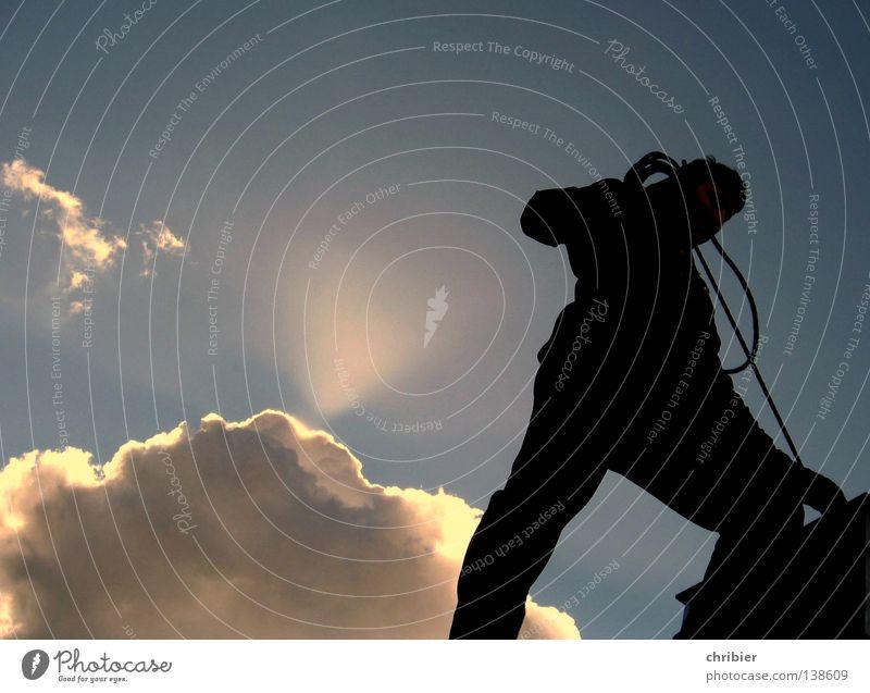 Gipfelputz Himmel blau weiß Sonne Wolken schwarz Glück grau Freiheit Arbeit & Erwerbstätigkeit frei Aussicht hoch gefährlich Dach Sauberkeit