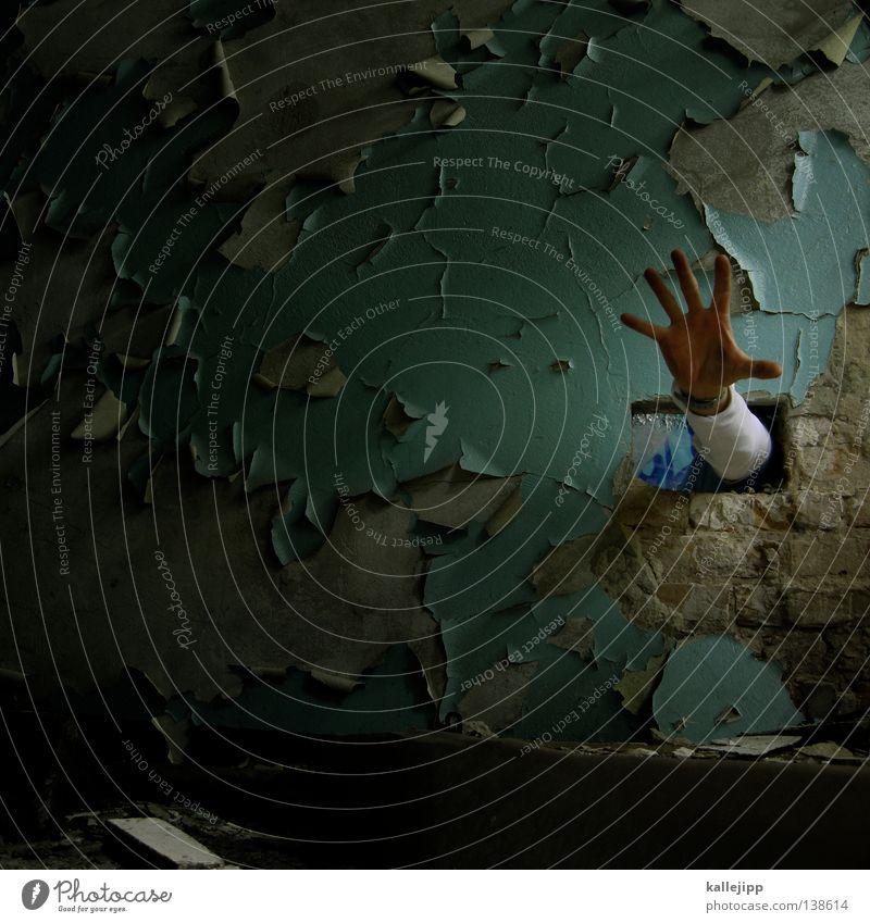ciao giuseppe der rest ist für dich! Mensch Mann Hand Mauer Lifestyle Angst offen Baustelle Sicherheit Dienstleistungsgewerbe Backstein Hilferuf Loch Gott heilig Hilfsbedürftig