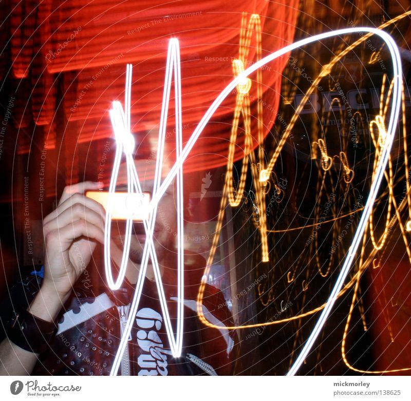 Raphael Vincenz zawia entdeckt das Licht rot Ferien & Urlaub & Reisen gelb Bewegung Streifen Rockmusik Dynamik Momentaufnahme Rock `n` Roll England Lichtstreifen Great Yarmouth