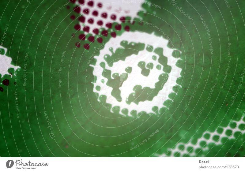 ®oyalty®ight grün weiß schwarz authentisch Schriftzeichen Kreis Streifen Buchstaben rund Symbole & Metaphern Punkt Schutz Zeichen Warnhinweis Drucktechnik Werbung