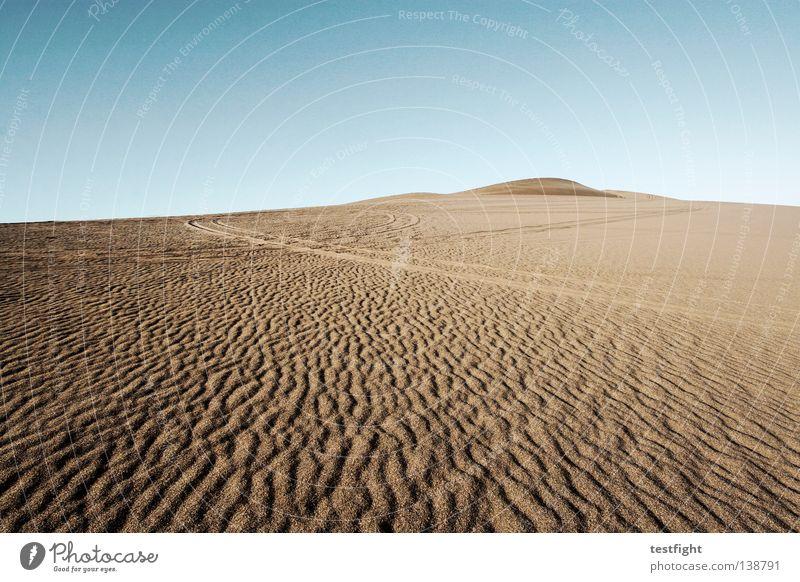 spuren Himmel Natur blau Ferien & Urlaub & Reisen Einsamkeit Ferne Freiheit Umwelt Sand Wind Klima Wüste heiß Spuren trocken Düne