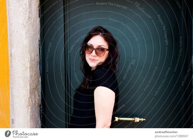 Viva Italia, 01 Mensch Ferien & Urlaub & Reisen Jugendliche grün schön Sommer Junge Frau Freude 18-30 Jahre Erwachsene gelb Leben feminin Glück Tourismus