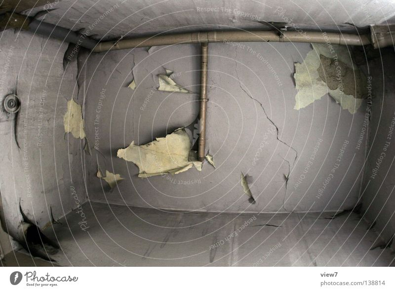 Badezimmerdecke Traurigkeit Mauer Raum klein Zeit ästhetisch verfallen Röhren Verfall Vergangenheit Spinne Putz Aussehen Zerstörung Oberfläche