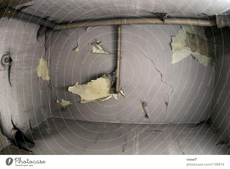 Badezimmerdecke Traurigkeit Mauer Raum klein Zeit ästhetisch Bad verfallen Röhren Verfall Vergangenheit Spinne Putz Aussehen Zerstörung Oberfläche