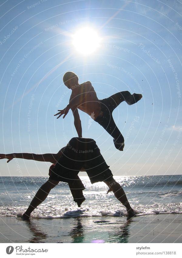 strand session blau schön Sonne Ferien & Urlaub & Reisen Meer Strand Freude Wolken Ferne Erholung Spielen Freiheit Sand springen hell Wellen