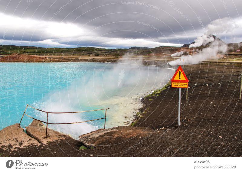 Dangerous blue hot spring in Iceland with sign Umwelt Natur Erde Feuer Wasser Wassertropfen Sommer Sturm Hügel Felsen Vulkan bizarr Wasserdampf türkis gefahr
