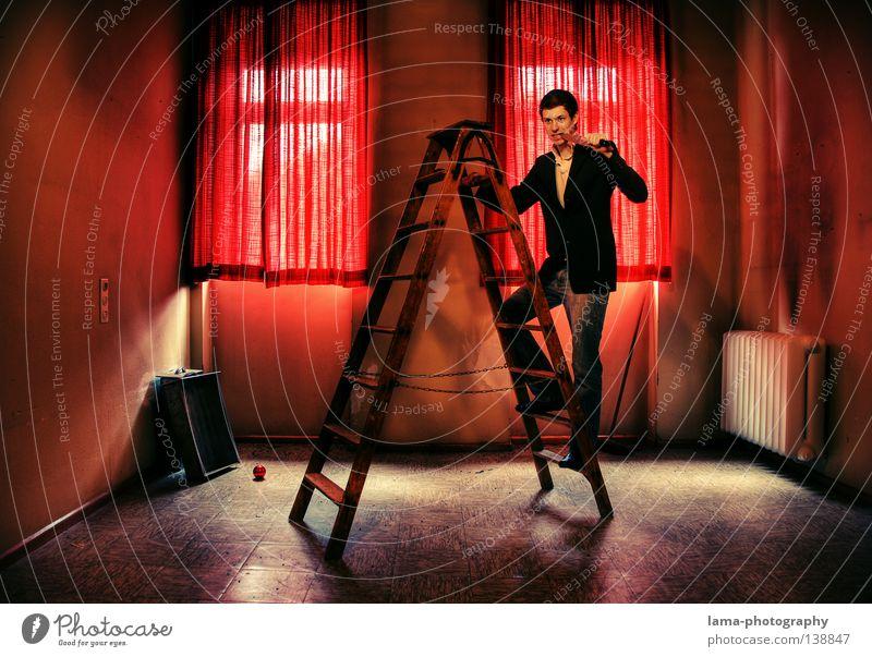 wahn sinn Suizidalität verrückt töten Hölle schreien Seele krankhaft Raum Hotel Sense Werkzeug Schublade Fenster Gardine Vorhang Mann Anzug Frustration Motel