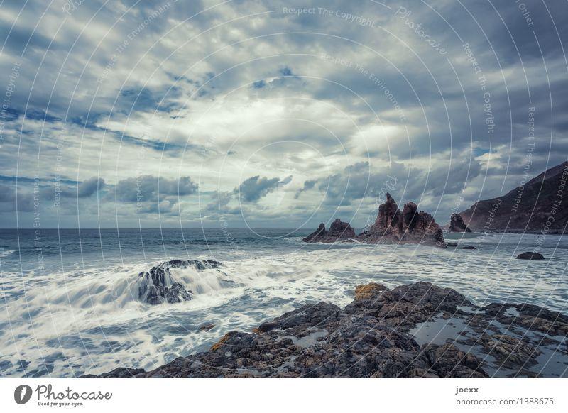 Benije Natur Landschaft Himmel Wolken Horizont Wetter Schönes Wetter Felsen Wellen Küste Meer Insel Teneriffa natürlich wild blau braun weiß Kraft Brandung