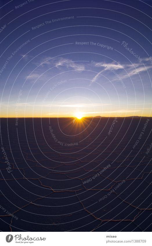 Sonne auf Salar Natur Landschaft Urelemente Erde Luft Himmel Wolken Sonnenaufgang Sonnenuntergang Wetter Berge u. Gebirge blau gelb orange Stimmung
