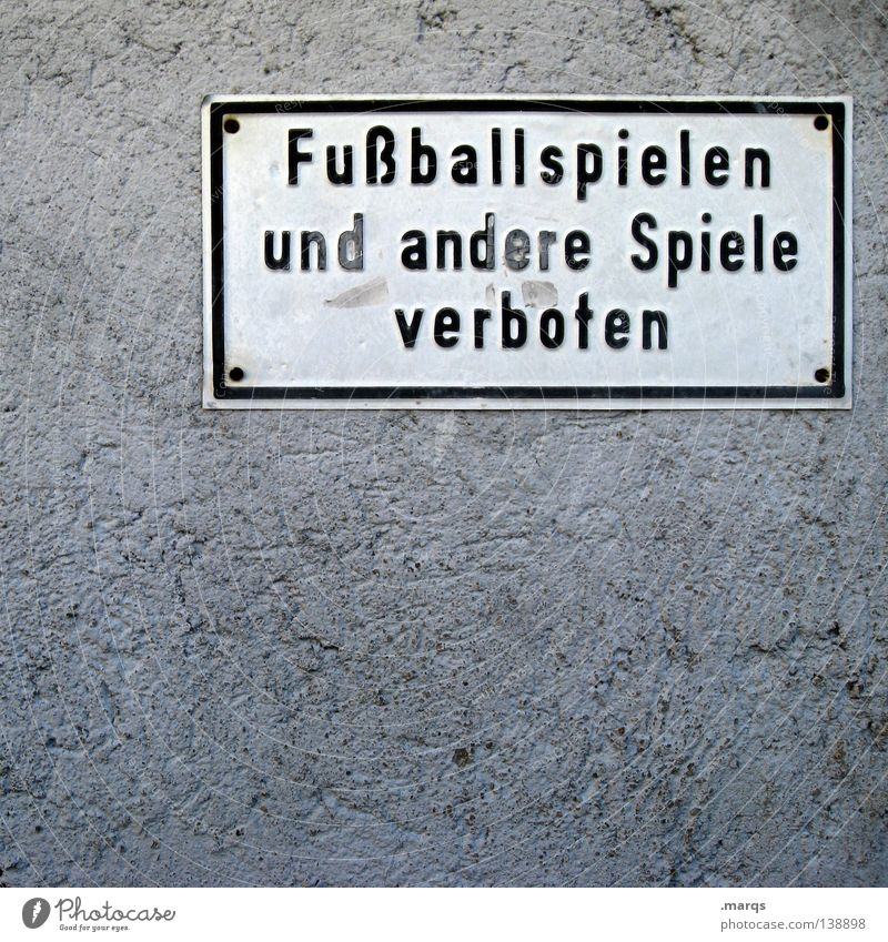 Hinweis weiß schwarz Wand Spielen Mauer hell Metall Schilder & Markierungen Buchstaben Hinweisschild Wort Verbote protestieren Einschränkung auffordern