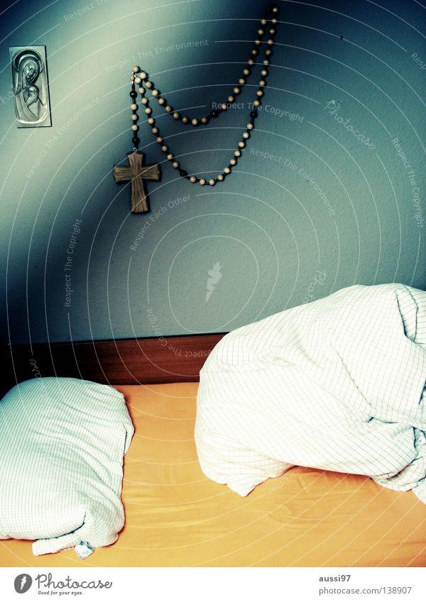 Sunday, 7.00 am Bett Bettwäsche schlafen Bettlaken Spießer Credo Religion & Glaube Götter Meinung Gastronomie Konstruktion Botanik demütig Pflanze Geschnarche