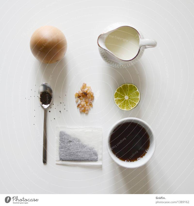 A proper Tea Time Lebensmittel Frucht Zucker Kaffeetrinken Teetrinken Heißgetränk Tasse Becher Löffel Kitsch weiß Zufriedenheit ruhig Durst ästhetisch Erholung