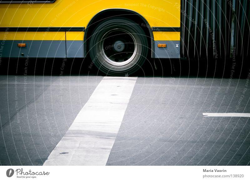 Wo wir sind, ist Bewegung Stadt Verkehr fahren Verbindung Fahrzeug Gesetze und Verordnungen Bus Straßenverkehr Verkehrsmittel Bremse