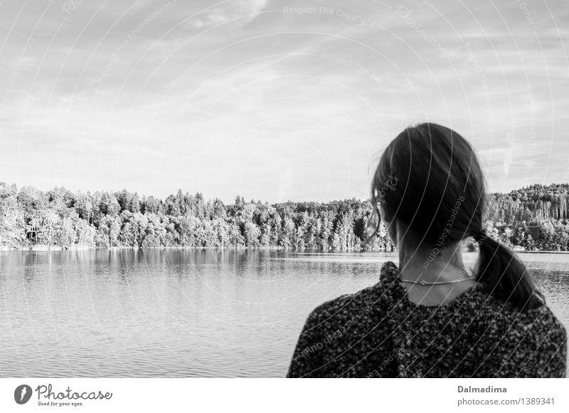 Melly Mensch Frau Himmel Natur Jugendliche Wasser Junge Frau Erholung ruhig Ferne 18-30 Jahre Erwachsene feminin Kopf See Stimmung