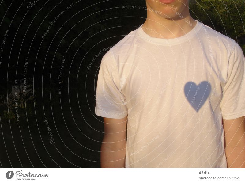 das Herz am rechten Fleck Mann weiß Liebe Herz Bekleidung T-Shirt mögen