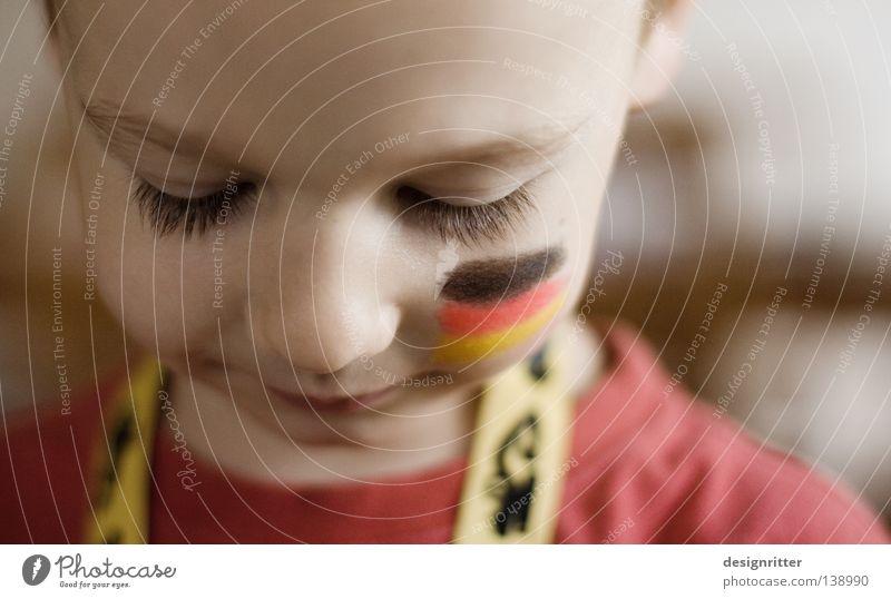 Jungs, ihr schafft das! Kind Farbe rot schwarz gelb Gesicht Junge Deutschland gold Elektrizität Europa Fahne Vertrauen Weltmeisterschaft Mut Begeisterung