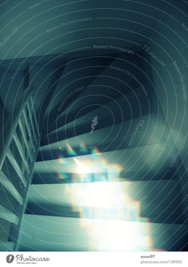 Lichtwesen Farbe Haus gehen Häusliches Leben Treppe Treppengeländer unten Geister u. Gespenster aufwärts Doppelbelichtung Surrealismus abwärts Flur seltsam