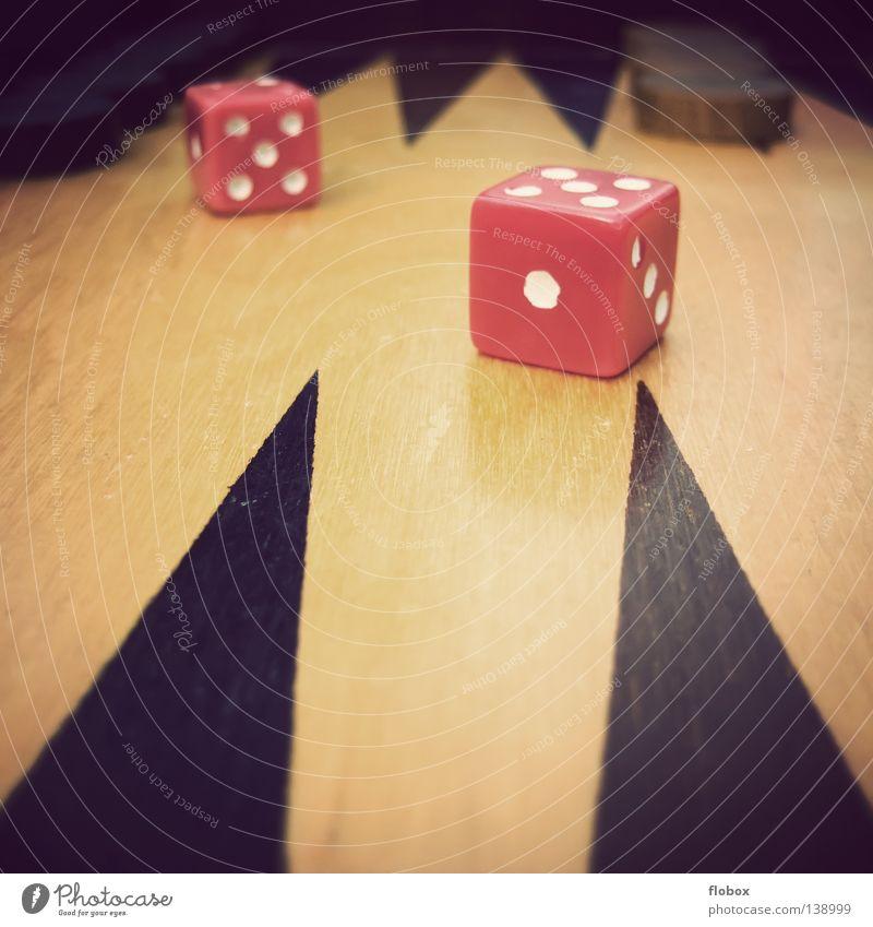 Türkei : Deutschland Backgammon Spielbrett Unterlage Spielen Gesellschaftsspiele Brettspiel Zufall Symbole & Metaphern Ziffern & Zahlen Würfelspiel Kniffel