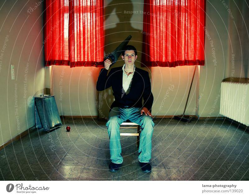 kopf schmerzen Mensch Mann alt rot Einsamkeit Tod Fenster Leben Lampe Tür Raum Rücken Angst verrückt Bekleidung Stuhl