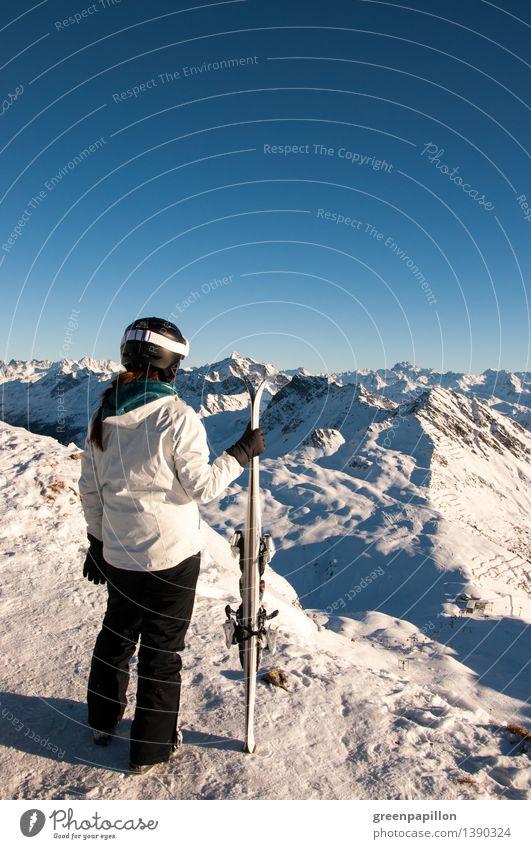 Abgefahren.. Ferien & Urlaub & Reisen Winter Schnee Winterurlaub Berge u. Gebirge Wintersport Skifahren Skier Skipiste feminin Junge Frau Jugendliche Landschaft