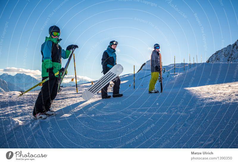 Snowteam Mensch Jugendliche Mann Junger Mann Winter Berge u. Gebirge Erwachsene Umwelt Schnee Stil Sport Freundschaft maskulin Bekleidung Brille Gipfel